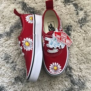 Hand painted daisy scattered vans size 12